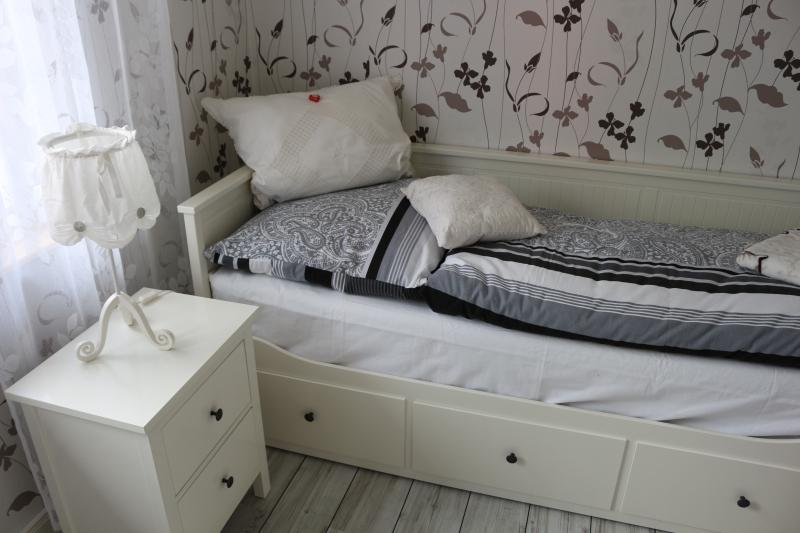 zweites Schlafzimmer (BUGA Zimmer), aus dem Einzelbett wird im Nu ein Doppelbett